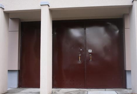 Laiptinės durys